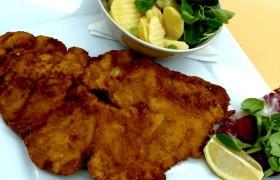 Kalbsschnitzel mit Kartoffelvogerlsalat (2)Ps
